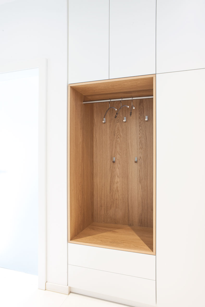 garderobe 1205 schreinerei steinberger bubach m belschreiner messebau. Black Bedroom Furniture Sets. Home Design Ideas