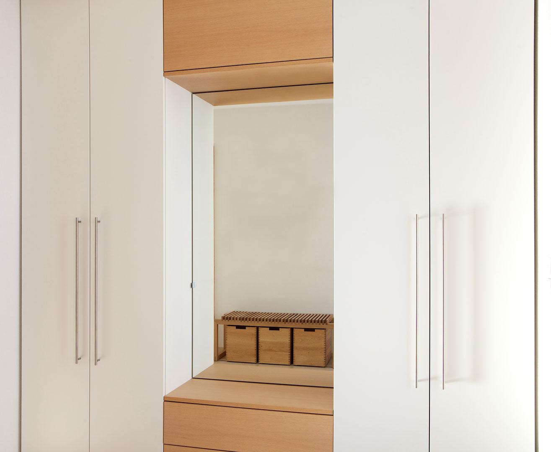 garderobe mit sitzbank und garderobe wei spiegel sitzbank. Black Bedroom Furniture Sets. Home Design Ideas